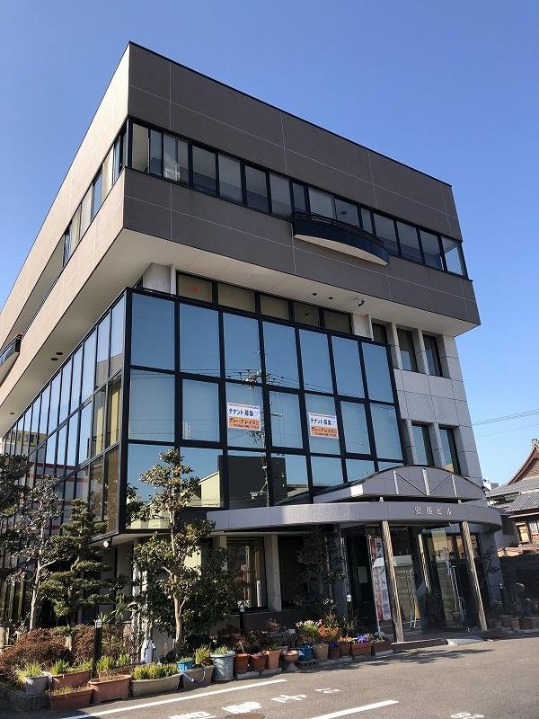 東岡崎駅徒歩9分♪市役所近く♪独立開業向き♪