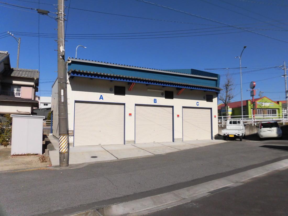 小型倉庫をお探しの方におすすめです!環状線沿いの貸ガレージです♪