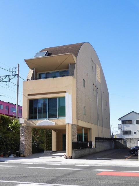 東岡崎駅すぐ♪交通量の多いロードサイドの1階物件です♪アクセスもスムーズ!