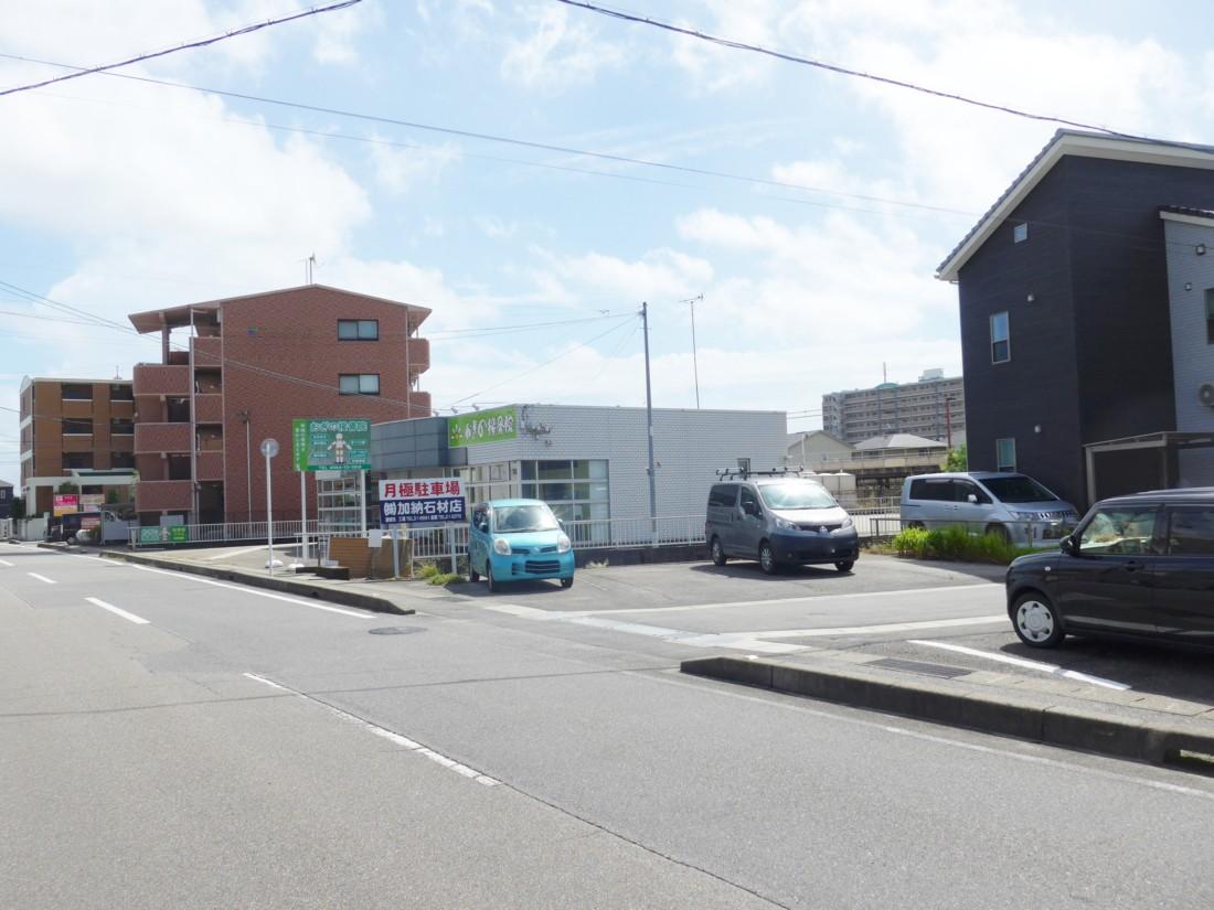 昭和町北浦貸駐車場