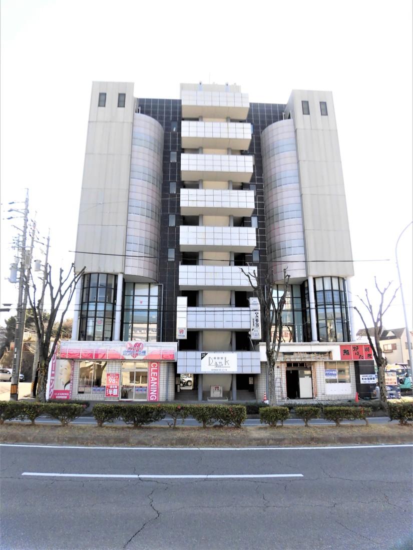 岡崎駅から徒歩7分!店舗横に駐車場4台込み!スケルトンなのでお好みの内装にできます!飲食店などにおすすめ!
