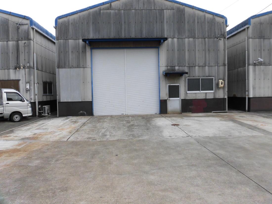 倉庫前駐車場6台込!1号線が近く移動が便利です!