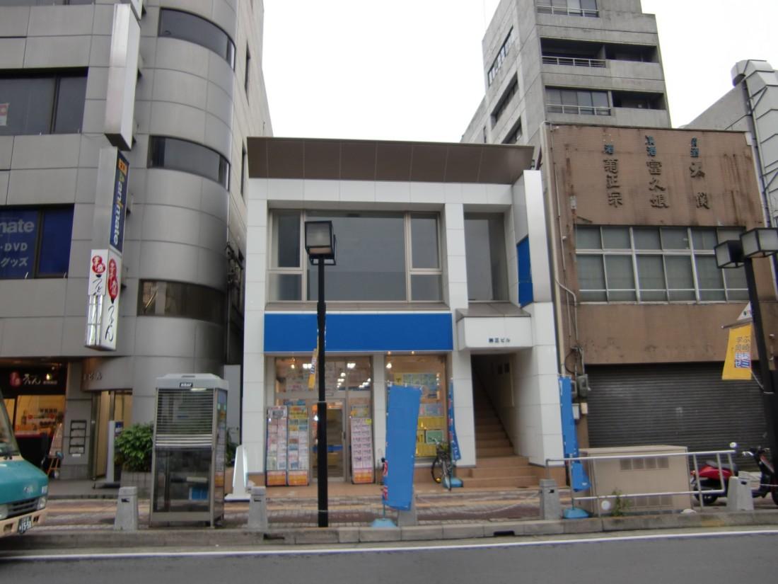 東岡崎駅前通り沿いの1階テナント(31.08坪)です☆